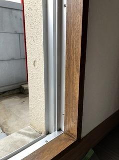 窓枠 (3).jpg