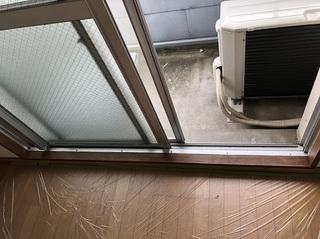 窓枠 (6).jpg