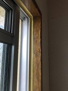 窓枠 一度塗り (1).jpg