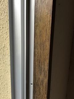 窓枠 二度塗り (3).jpg