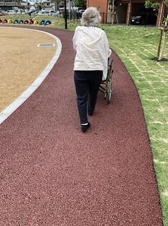大久保町三軒茶屋公園 (1).jpg